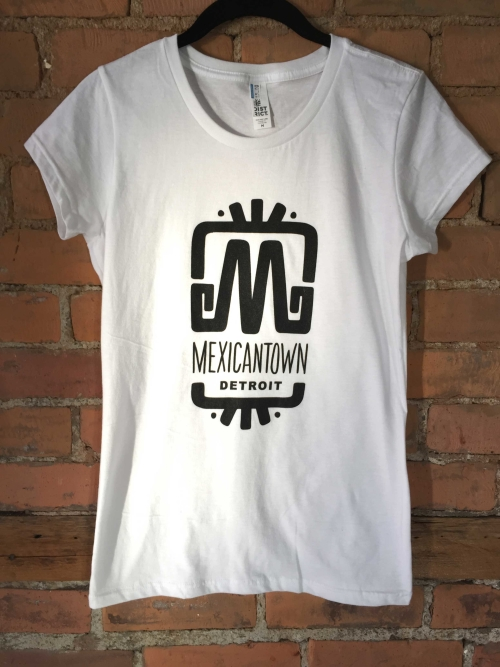women's-white-t-shirt